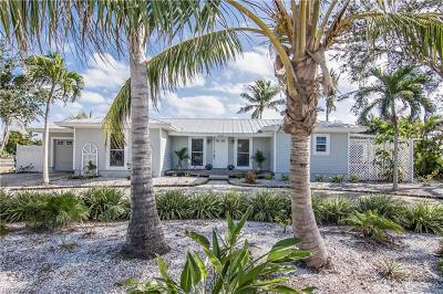 Marco Island Single Family Home For Sale: 381 Rookery Ct