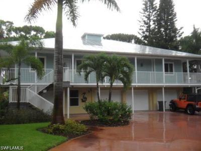 Bonita Springs Multi Family Home For Sale: 4060 Rita Ln