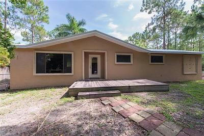 Naples Single Family Home For Sale: 5885 Hidden Oaks Ln