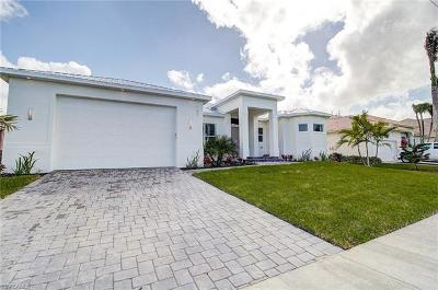Marco Island Single Family Home For Sale: 167 Columbus Way