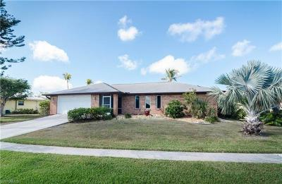 Marco Island Single Family Home For Sale: 904 Juniper Ct
