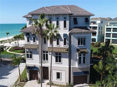 Bonita Springs Single Family Home For Sale: 105 Curacao Ln