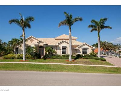 Marco Island Single Family Home For Sale: 640 Inlet Dr