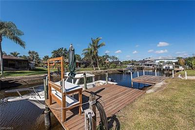 Fort Myers Single Family Home For Sale: 6203 Island Park Ct