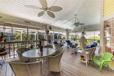 Marco Island Single Family Home For Sale: 917 Arawak Ave