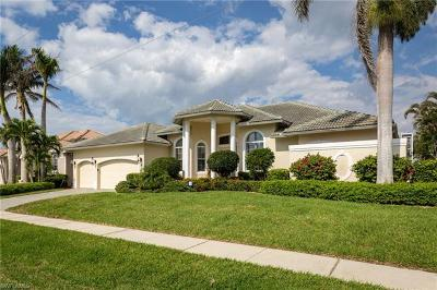Marco Island Single Family Home For Sale: 11 Blue Hill Ct