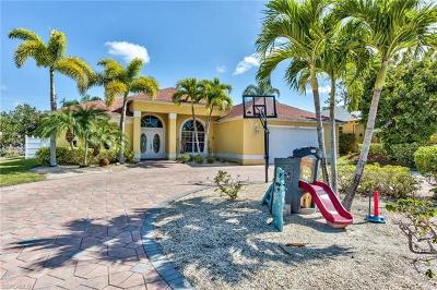 Bonita Springs Single Family Home For Sale: 4634 Sierra Ln