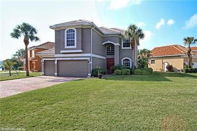 Estero Single Family Home For Sale: 9153 Estero River Cir
