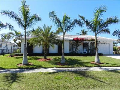 Marco Island Single Family Home For Sale: 805 Saturn Ct