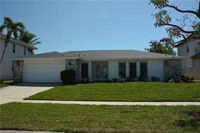 Marco Island Single Family Home For Sale: 1031 Dill Ct