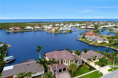 Marco Island Single Family Home For Sale: 503 Kendall Dr