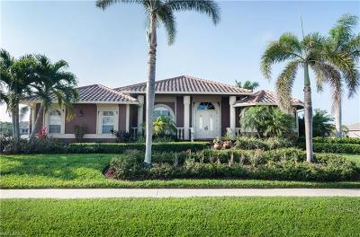 Marco Island Single Family Home For Sale: 1097 Cottonwood Ct