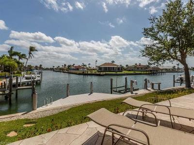 Marco Island Single Family Home For Sale: 21 Hickory Ct