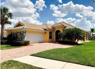 Naples Single Family Home For Sale: 7910 Valentina Ct