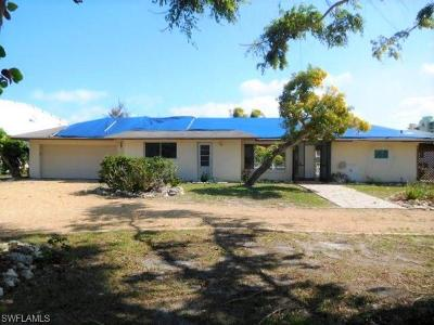 Marco Island Single Family Home For Sale: 1063 Old Marco Ln