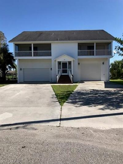 Fort Myers Single Family Home For Sale: 2054 Barbados Ave