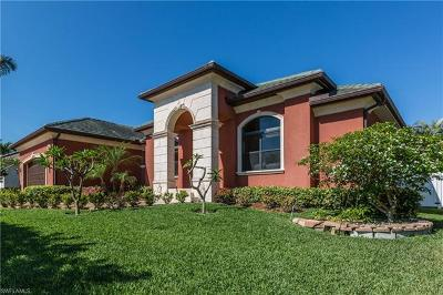Marco Island Single Family Home For Sale: 240 Castaways St