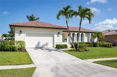 Marco Island Single Family Home For Sale: 641 Hernando Dr