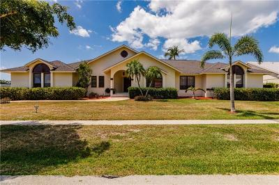 Marco Island Single Family Home For Sale: 1782 N Bahama Ave