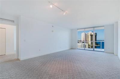 Fort Myers Condo/Townhouse For Sale: 3000 Oasis Grand Blvd #1104