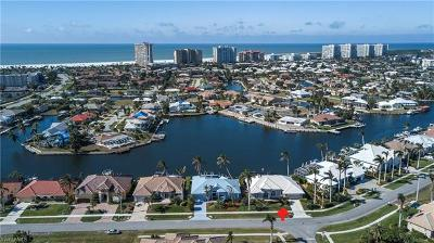 Marco Island Single Family Home For Sale: 90 Copperfield Ct