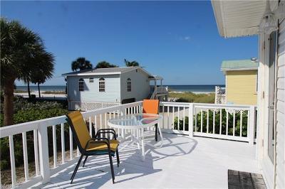 Fort Myers Beach Single Family Home For Sale: 572 Estero Blvd
