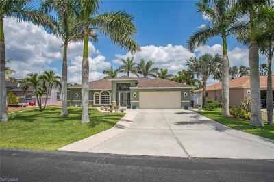 Bonita Springs Single Family Home For Sale: 11701 Red Hibiscus Dr