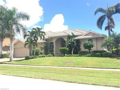 Marco Island Single Family Home For Sale: 115 Peach Ct