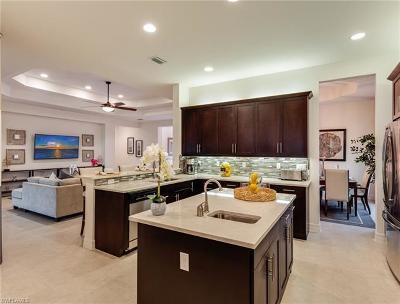 Naples Single Family Home For Sale: 2994 Cinnamon Bay Cir