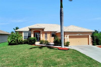 Marco Island Single Family Home For Sale: 1058 Goldenrod Ave