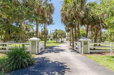 Naples Single Family Home For Sale: 1735 Oakes Blvd