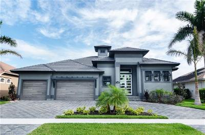 Marco Island Single Family Home For Sale: 1124 Lamplighter Ct