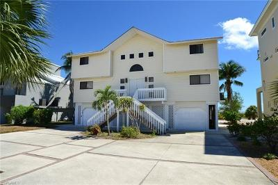Fort Myers Beach Single Family Home For Sale: 8056 Estero Blvd