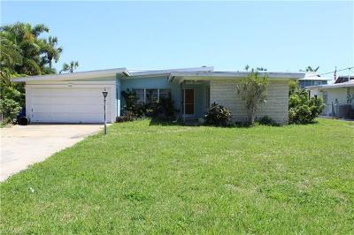 Naples Single Family Home For Sale: 1408 Pelican Ave
