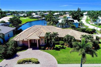 Marco Island Single Family Home For Sale: 1490 Winterberry Dr
