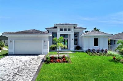 Marco Island Single Family Home For Sale: 1889 N Bahama Ave