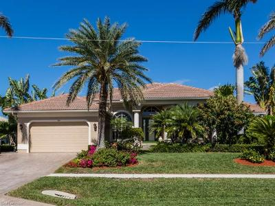 Marco Island Single Family Home For Sale: 920 Olive Ct