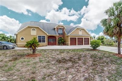 Fort Myers Single Family Home For Sale: 8444 Tahiti Rd