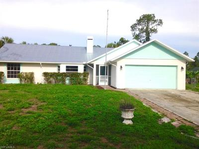 Fort Myers Single Family Home For Sale: 6071 Lacota Ave