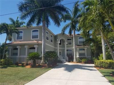 Bonita Springs Single Family Home For Sale: 221 W 3rd St