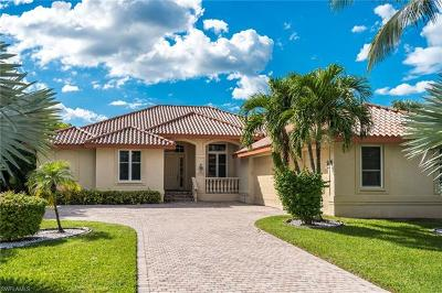 Fort Myers Single Family Home For Sale: 15250 Intracoastal Ct