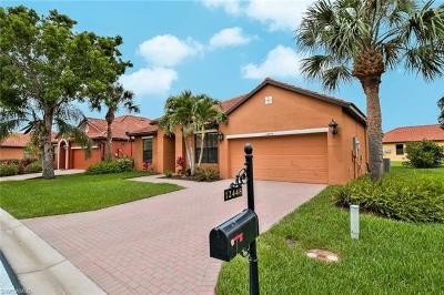Fort Myers Single Family Home For Sale: 12448 Country Day Cir