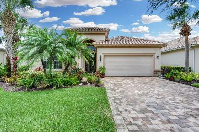 Naples Single Family Home For Sale: 9115 Crystal Ct