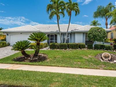 Marco Island Single Family Home For Sale: 834 Perrine Ct