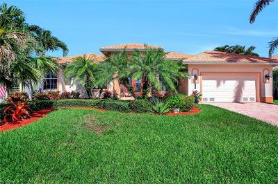Marco Island Single Family Home For Sale: 258 Bass Ct