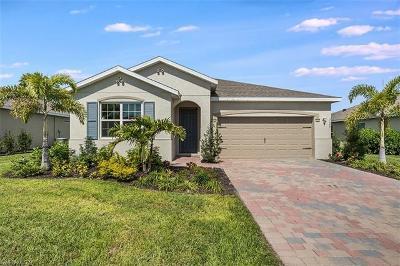 Cape Coral Single Family Home For Sale: 3193 Amadora Cir