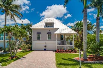 Naples Single Family Home For Sale: 1286 Rainbow Ct
