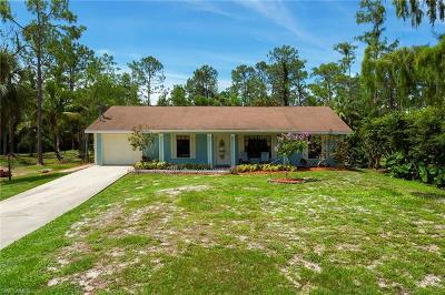 Naples Single Family Home For Sale: 5260 Hickory Wood Dr
