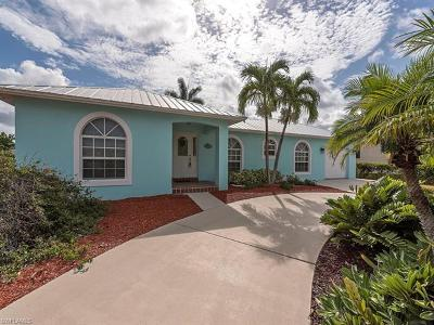 Marco Island Single Family Home For Sale: 789 N Barfield Dr