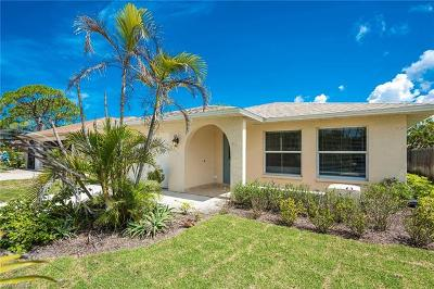 Naples Single Family Home For Sale: 511 N 103rd Ave